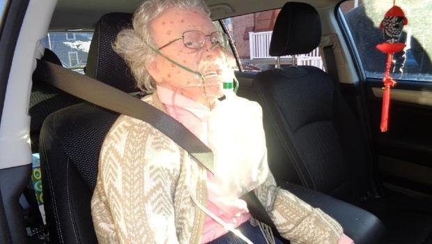 Police Rescue 'Frozen' Elderly Woman, Only to Discover It's a Mannequin