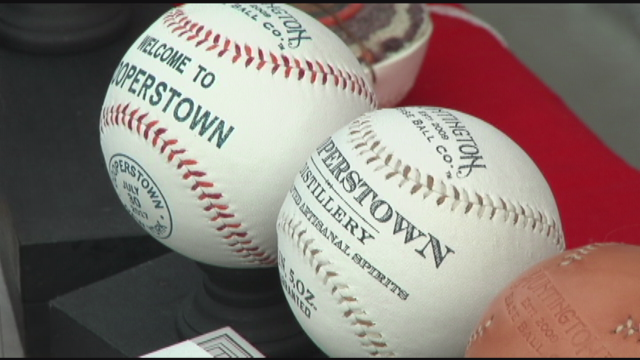 Ceremony gets emotional for Baseball Hall of Fame inductees