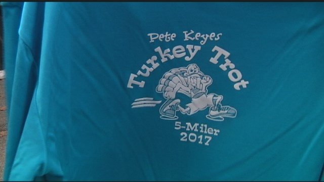 Thousands race in Ann Arbor Thanksgiving Turkey Trot