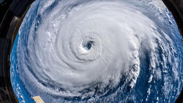 Photo: Alexnander Gerst / NASA